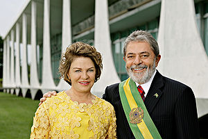 300px-President_Lula_and_Marisa_2007
