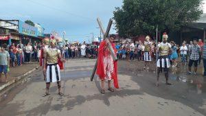 Machadinho: Igreja Católica celebra Sexta-Feira Santa com procissão-Assista ao Vídeo.