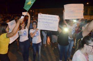 Jaruenses promovem movimento em apoio aos caminhoneiros