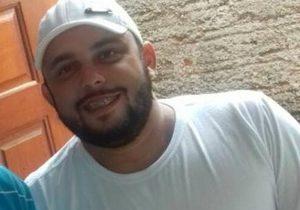 Justiça nega pedido de liberdade a suspeito preso por matar caminhoneiro a pedrada