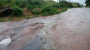 Jaru: Água de Esgoto escorre pela rua causando preocupação e revolta de moradores- VÍDEO