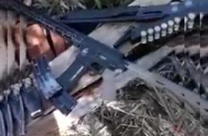 Mais um vídeo onde um suposto integrante do PCC exibe fuzis em RO viraliza nas redes sociais