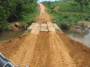 Ponte interditada na Linha C6 é recuperada e possibilita transporte escolar
