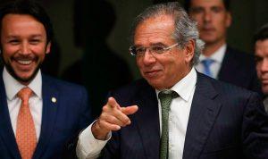 Preço do gás pode cair 40% e PIB industrial avançar 8,46% em dois anos, diz Guedes