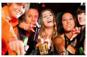 A influência da publicidade de bebidas alcoólicas na adoção de comportamentos sociais