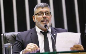 PSL decide expulsar deputado Alexandre Frota
