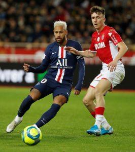 Neymar iguala recorde de Mbappé e Carlos Bianchi no PSG: oito jogos seguidos marcando gol