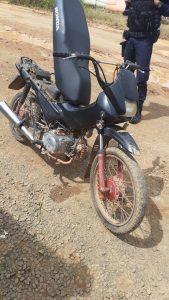 Machadinho: Rádio patrulha da PM recupera moto Pop 100 com restrição de furto/roubo