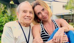 """Após demissão de Stênio Garcia, esposa desabafa: """"Foram anos de tortura mental"""""""