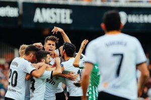 Covid-19: Atletas e comissão do Valencia estão curados