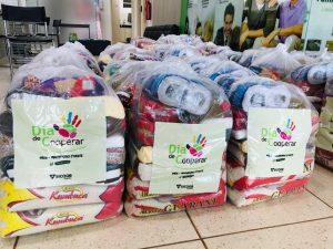 Machadinho: SICOOB Centro doa cestas básicas em comemoração ao Dia do Cooperativismo