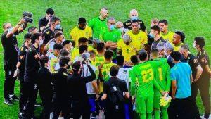 Partida entre Brasil e Argentina é interrompida após Anvisa vetar quatro atletas em campo