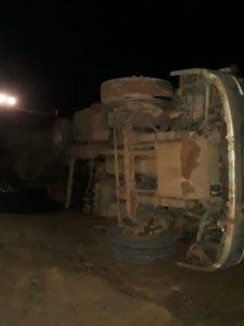 Machadinho: Caminhão boiadeiro cai na ponte do rio Preto na linha SME 14